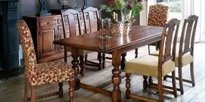 Old Charm dining set
