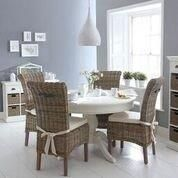 Winchester Round Pedestal Table & Chairs